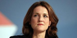Theresa Villiers calls for all Union flag protests to end
