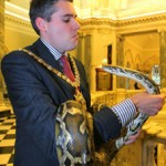 Lord Mayor Gavin Robinson welcomes in the