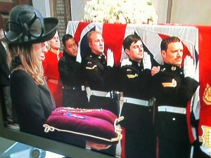 Baroness Thatcer's coffin arrives at St Paul's as her grand daughter Amanda looks on