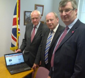 RAZE THE MAZE: David McNarry of Ukip with TUV leader Jim Allister and UUP MLA Tom Elliott with online petition against Maze peace centre