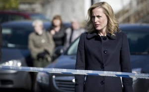 Gillian Anderson play DS Stella Gibson hunting a serial killer in Belfast