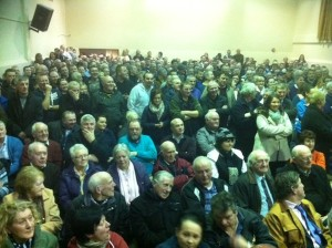 Over 300 residents turn up for public meeting over gangs targeting homes