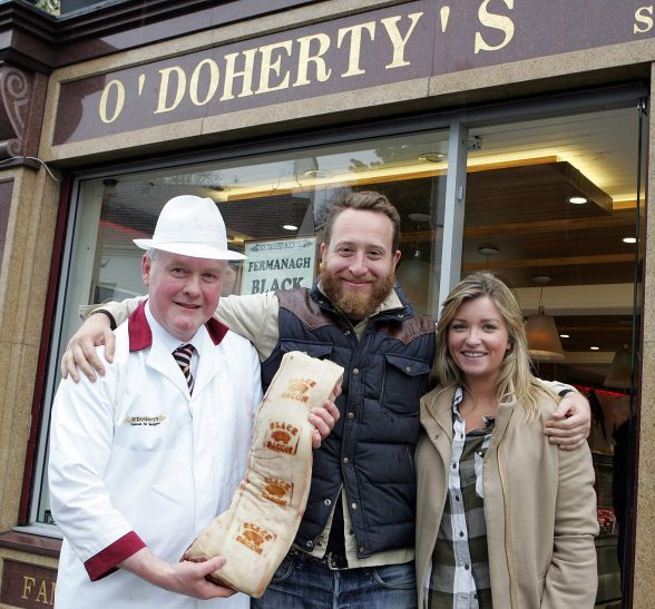 ictured in Enniskillen this weekend is chef and broadcaster, John Quilter aka Food Busker, (centre) and Emily Dodd of Tourism Ireland, with Black Bacon Producer, Pat O'Doherty. Pic Ð Raymond Humphreys (repro free).