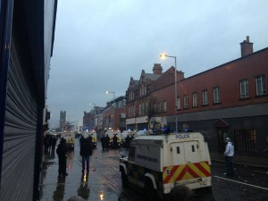 Police in riot gear move into east Belfast