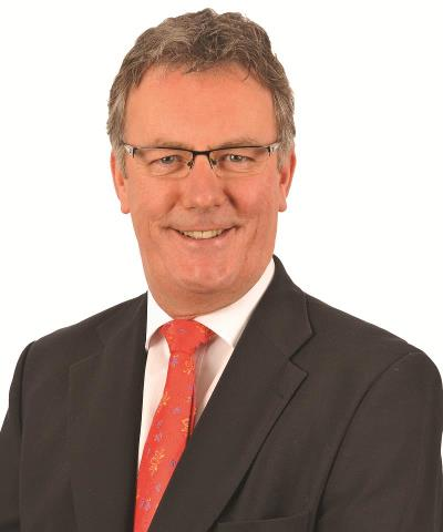 UUP leader Mike Nesbitt says DUP Minister Simon Hamilton can't do up his sums