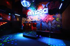 Belfast nightclub Eivissa red carded over drinks promotions