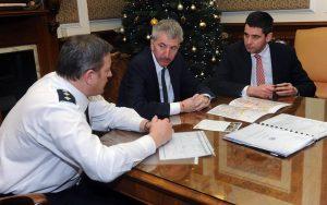 PSNI police chief meets Belfast's Lord Mayor Mairtin O'Muilleoir