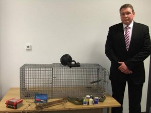 DI Peter Mullan with animal cruelty devices used by the Kirkwoods
