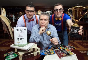 CALLING ALL QUIZ BUFFS… U105 drivetime presenter Johnny Hero (centre) joined Ricky Watts (left) and John Baxter of KP Snacks (NI) to launch this year's McCoy's NI Pub Quiz 2014.