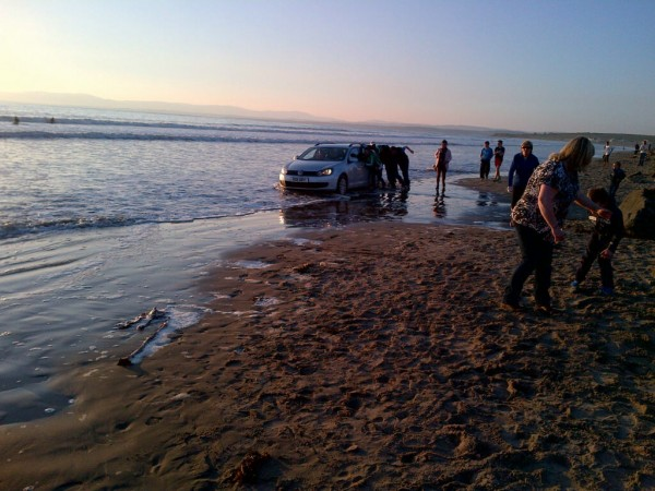 The NI registered car which got stuck on the beach in Donegal yesterday