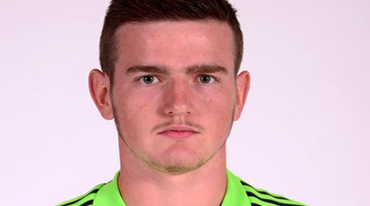 Keeper Peter Burke signs for Cliftonville FC