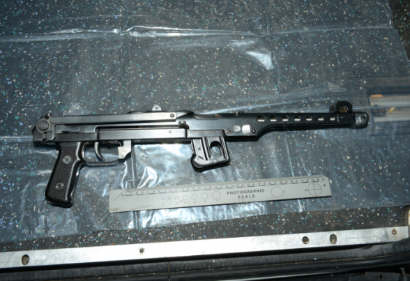 The black submachinegun seizied by police in a holdall Kelly had in the back of a taxi
